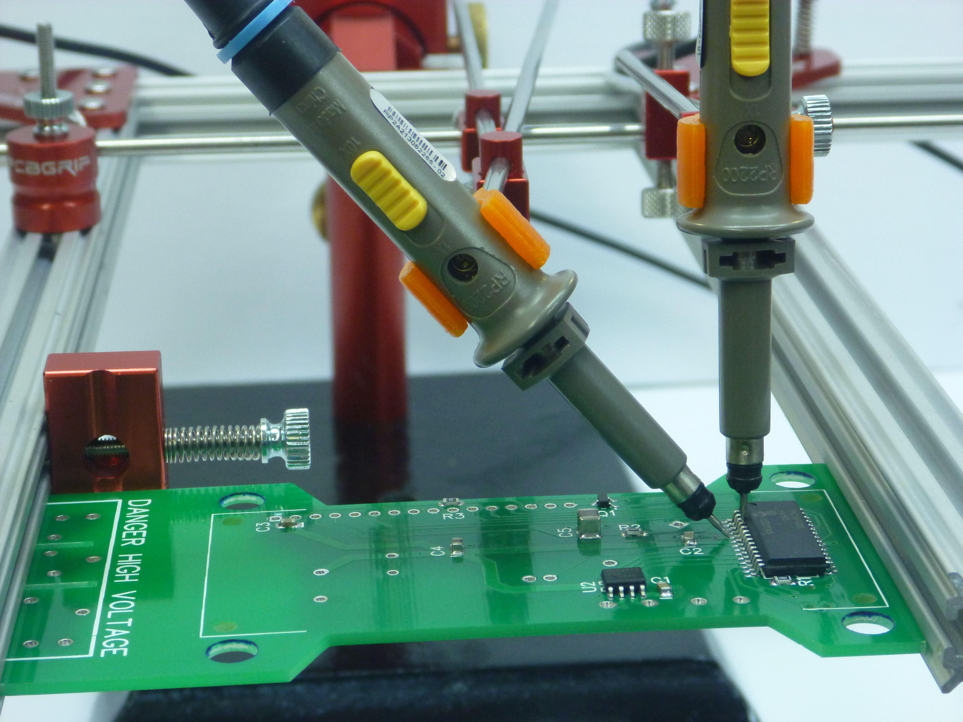 Meccanismo Complesso - PCBGrip Clamp_pic