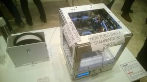 Fig. X: La stampante Materia 101 allo stand Arduino