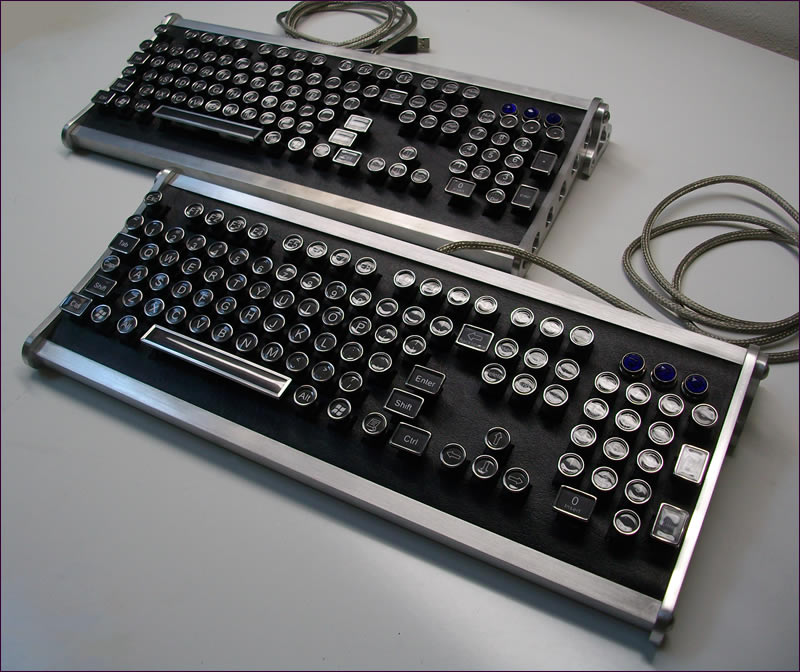 Meccanismo Complesso - The aviator steampunk keyboard