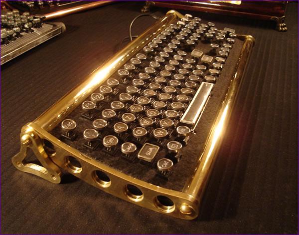 Meccanismo Complesso - Von Slatt steampunk keyboard