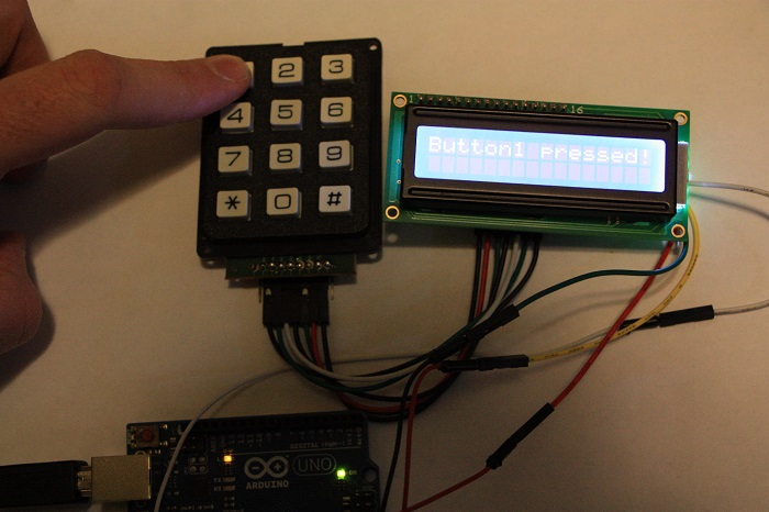 LCD03 - Integrating a liquid crystal display LCD and a keypad on