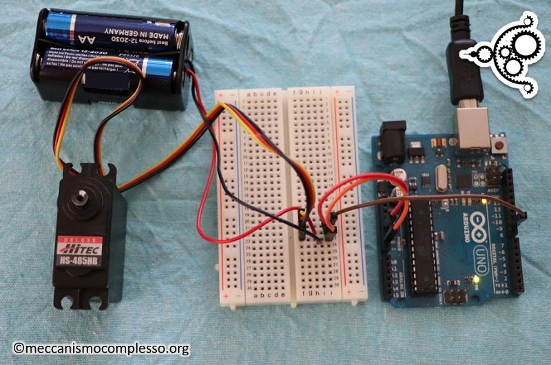 Arduino e Servo motori - schema di assemblaggio
